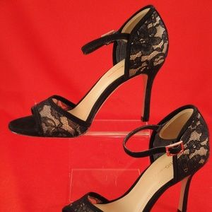 BCBGeneration black lacy high heel size 5 1/2